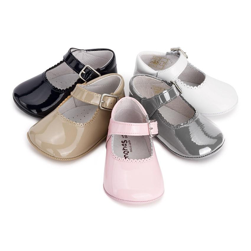 zapatos de charol de bebe