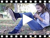 Video from Botines Niña Serraje con talonera glitter